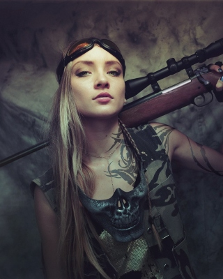 Картинка Soldier girl with a sniper rifle на 240x320