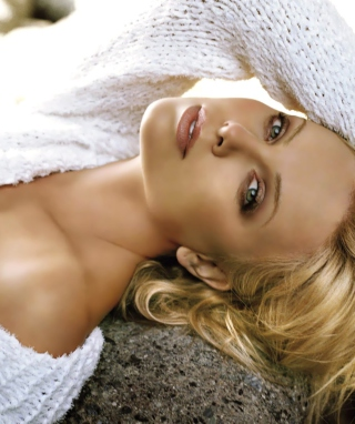 Картинка Charlize Theron на телефон 132x176