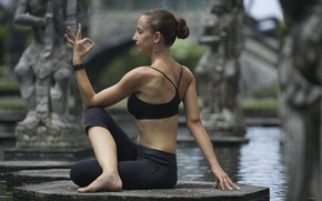 Обои pose, yoga, water fountain