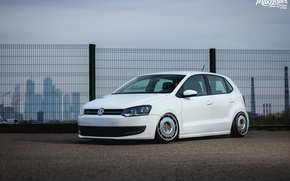Обои dapper, polo, tuning, поло, volkswagen, low, white, wheels, germany, stance