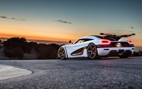 Обои Track, White, Rear, Sunset, Supercar, Koenigsegg, One:1