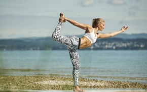 Обои pose, yoga, sportswear, sea, beach