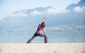 Обои woman, yoga, beach