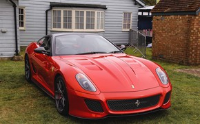 Обои red, ferrari, 599, gto, yard