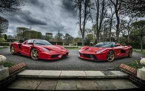 Обои Ferrari, Evolution, Enzo, And, Laferrari, Roso Corsa